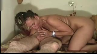 Caterina Nagy Cicis Olasz Anya Férjét Lovagolja És Szopja