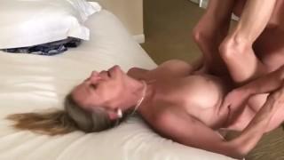 Érett anyuka szex videója